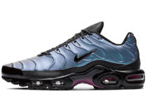 Nike Air Max Plus SE Throwback Futureの写真