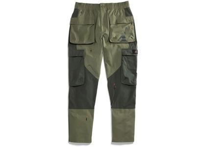 Travis Scott × Nike Jordan Cargo Pant Oliveの写真