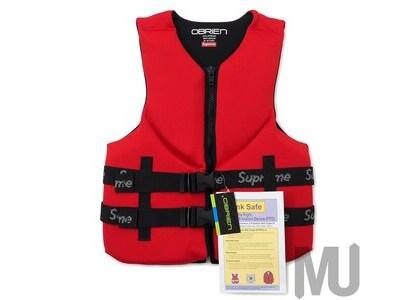 Supreme O'Brien Life Vest Redの写真