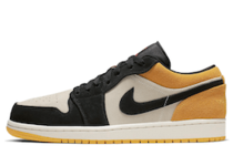 Nike Air Jordan 1 Low Sail University Gold Blackの写真