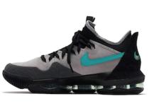 "Atmos x Nike LeBron 16 Low ""Clear Jade""の写真"