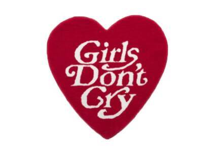 Girls Don't Cry Heart Rug Red の写真