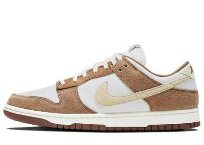Nike Dunk Retro Low Medium Curryの写真