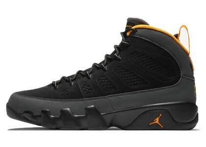 Nike Air Jordan 9 University Goldの写真