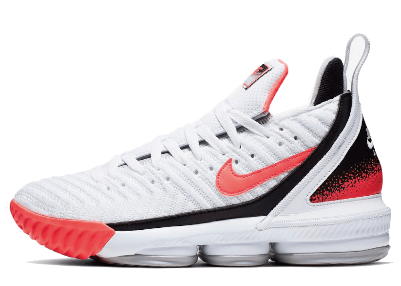 Nike LeBron 16 White Hot Lavaの写真