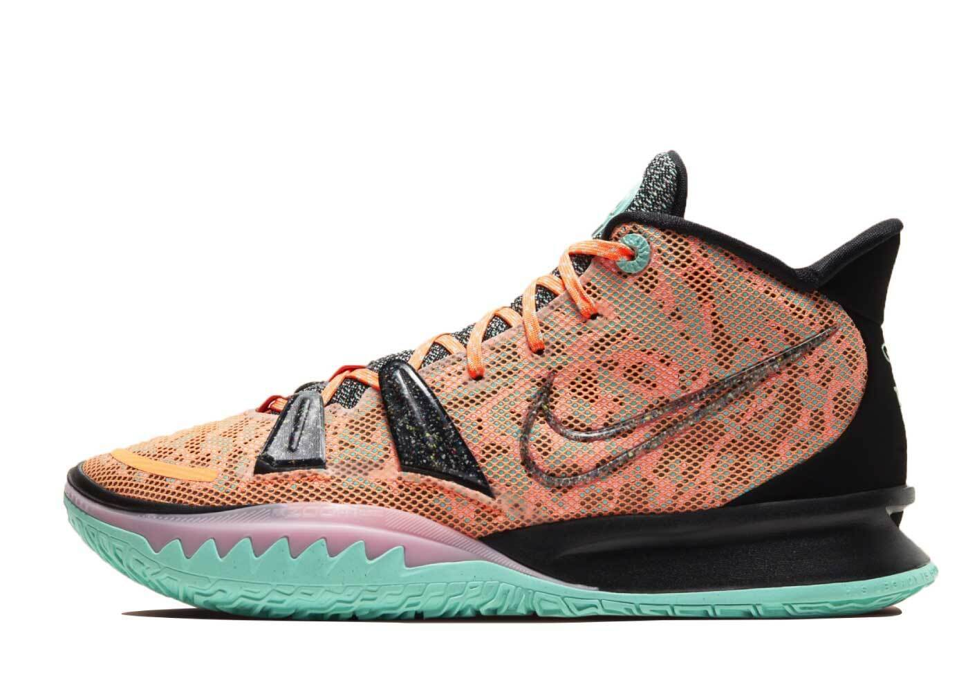 Nike Kyrie 7 EP Play to Futureの写真