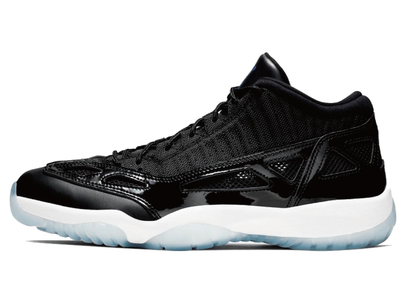 Nike Air Jordan 11 Low IE Space Jamの写真
