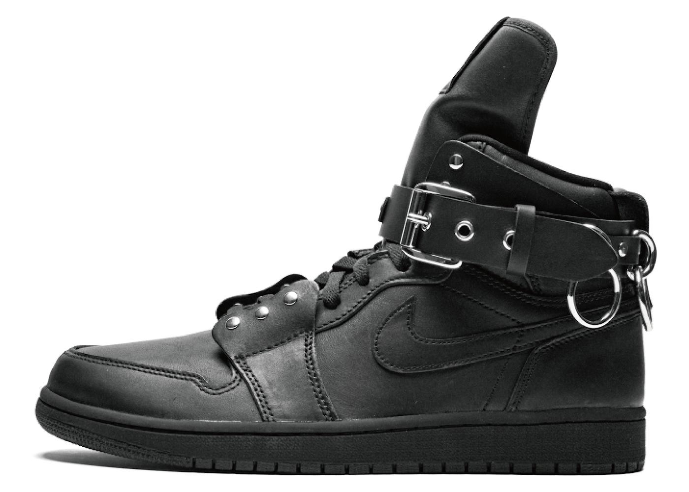 Comme des Garcons × Nike Air Jordan 1 Retro High Blackの写真