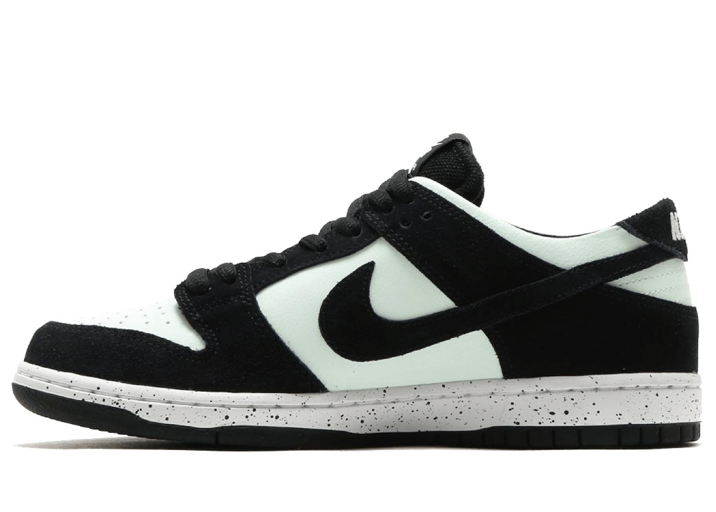 Nike SB Dunk Low Barely Greenの写真