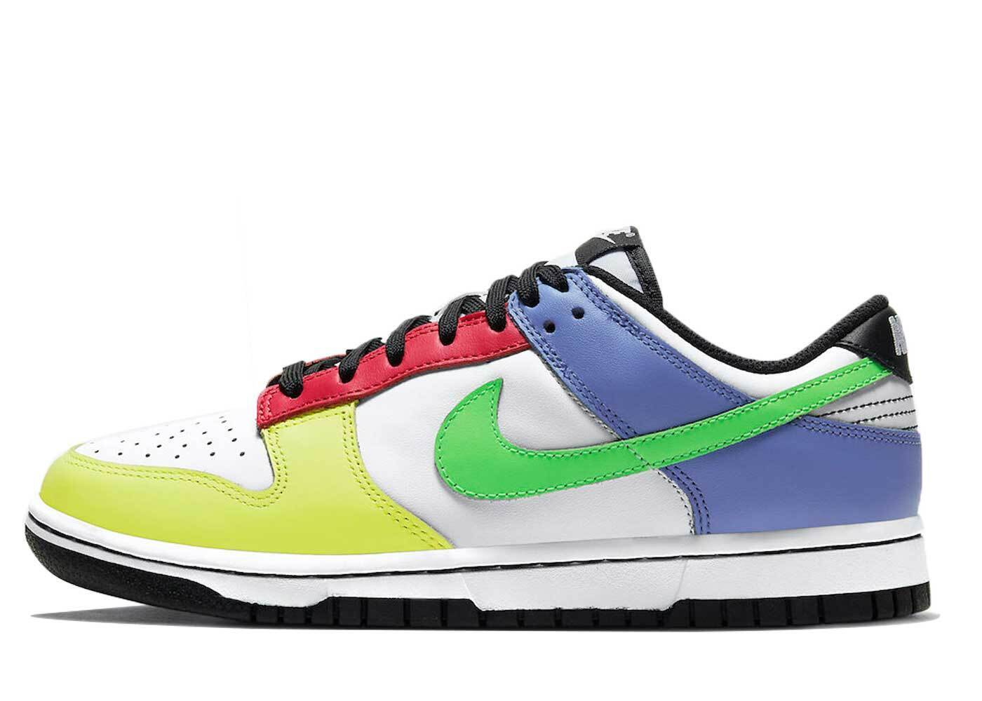 Nike Dunk Low Green Strike Womensの写真