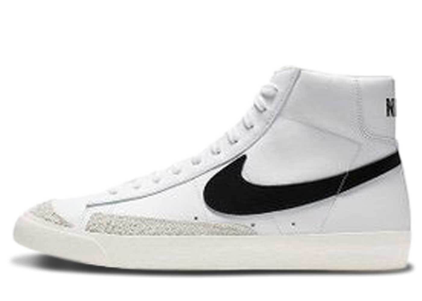 Nike Blazer Mid 77 Vintage White Blackの写真