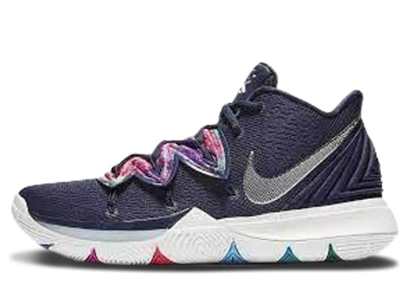 Nike Kyrie 5 Multi-Colorの写真