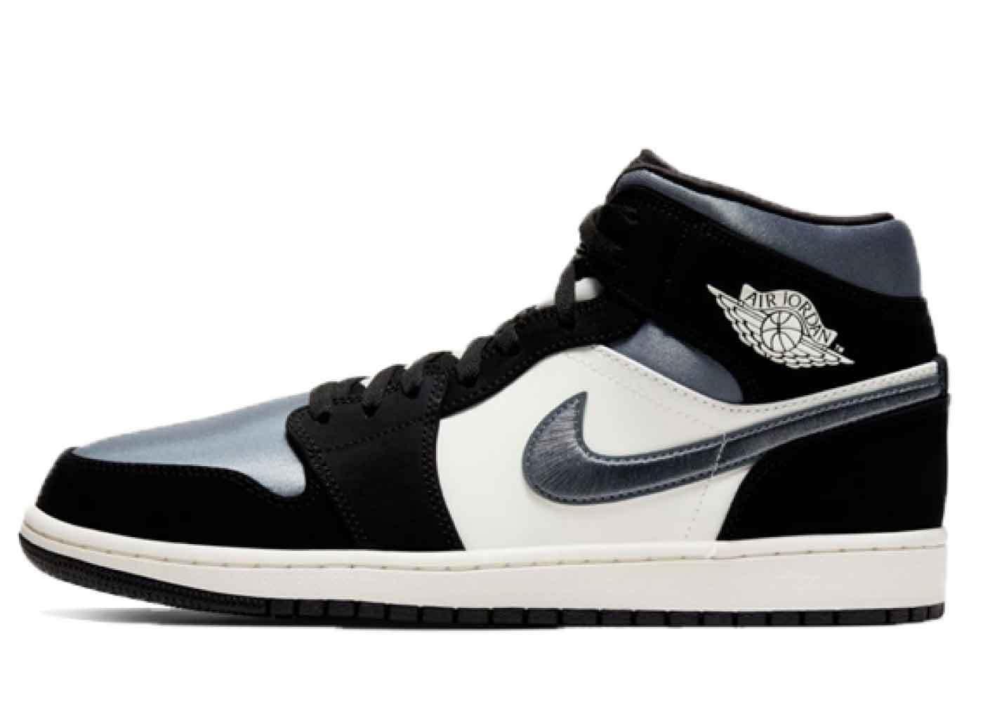 Nike Air Jordan 1 Mid Satin Grey Toeの写真