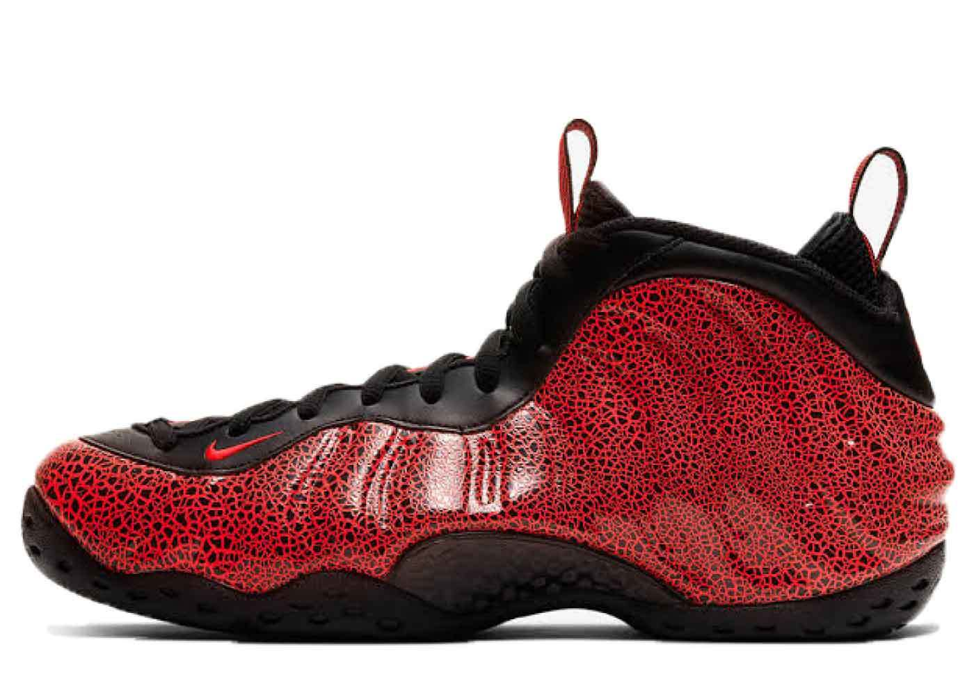 Nike Air Foamposite One Cracked Lavaの写真