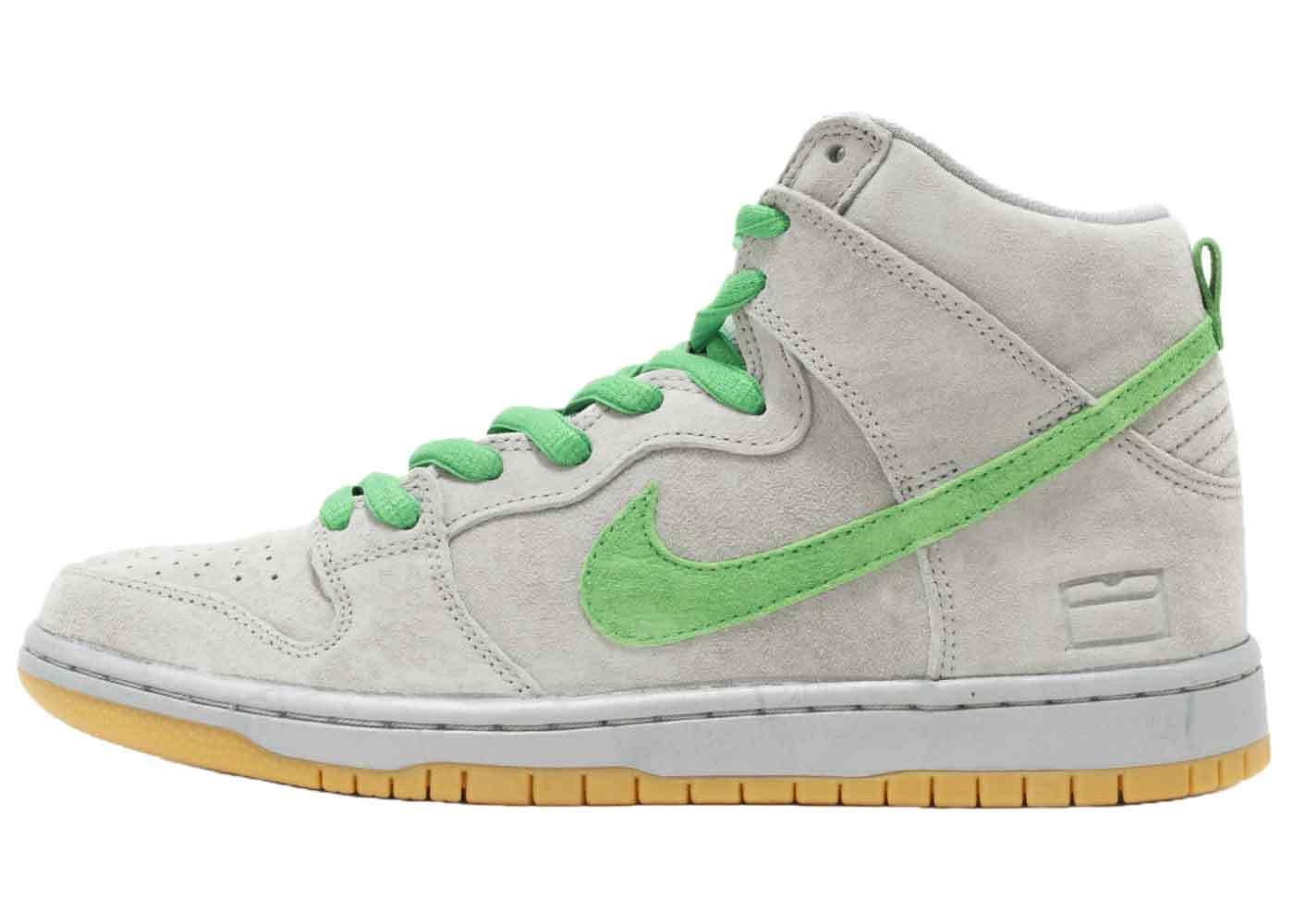 Nike SB Dunk High Silver Boxの写真