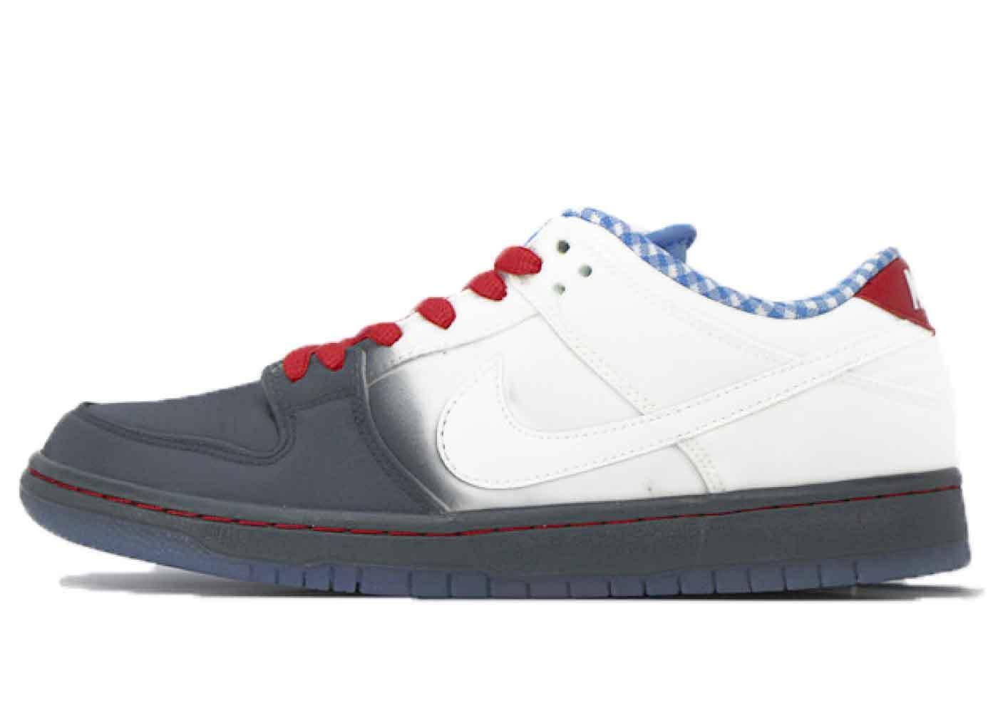 Nike SB Dunk Low Dorothyの写真