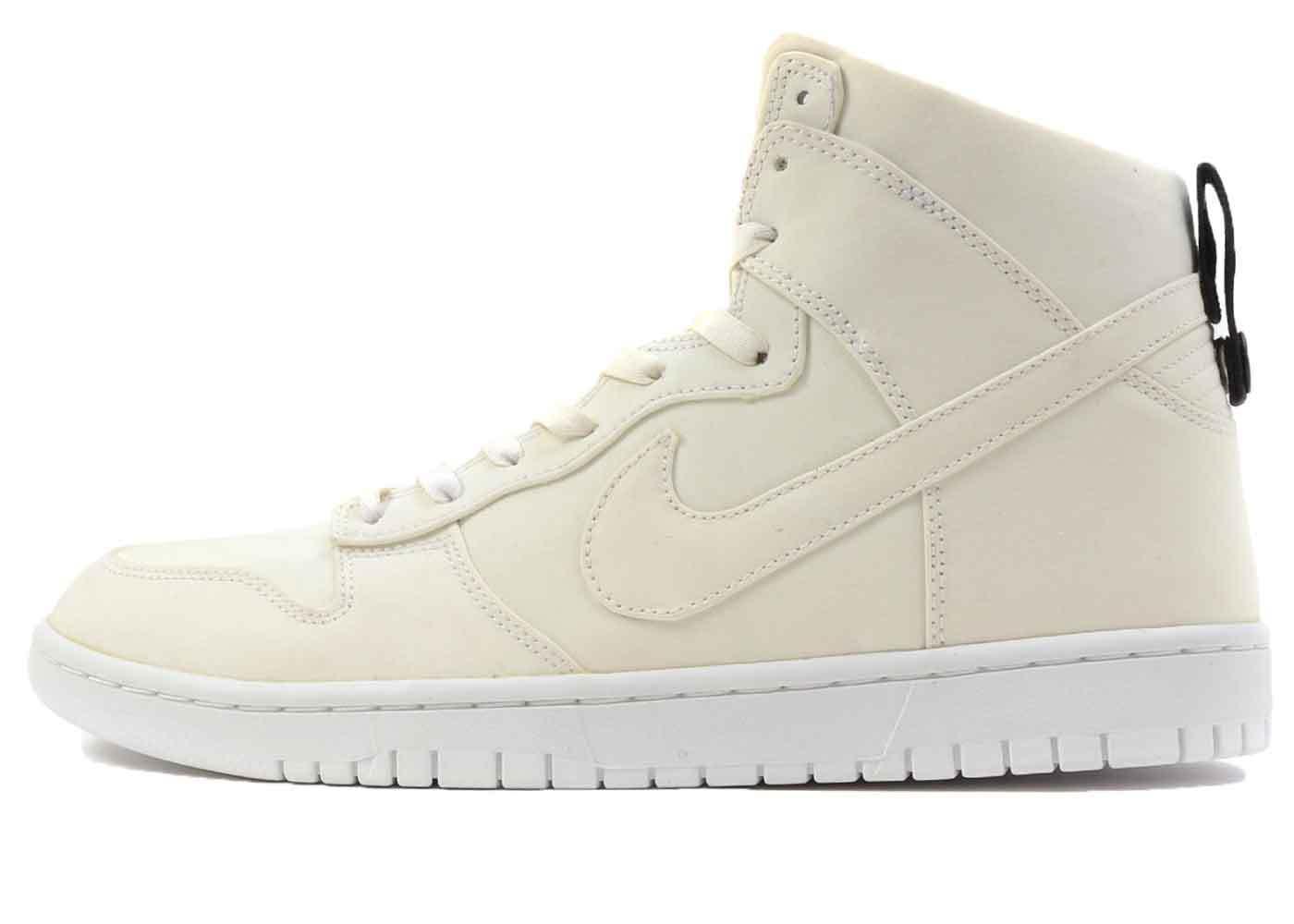 Nike Dunk High Dover Street Market Whiteの写真