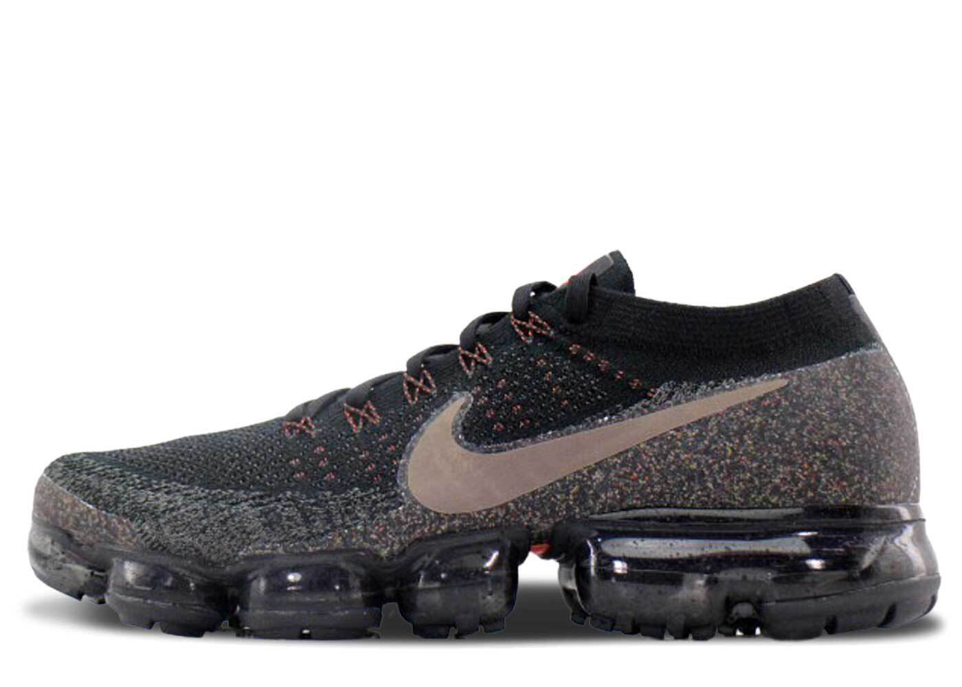 Nike Air VaporMax Black Dark Mushroom Womensの写真