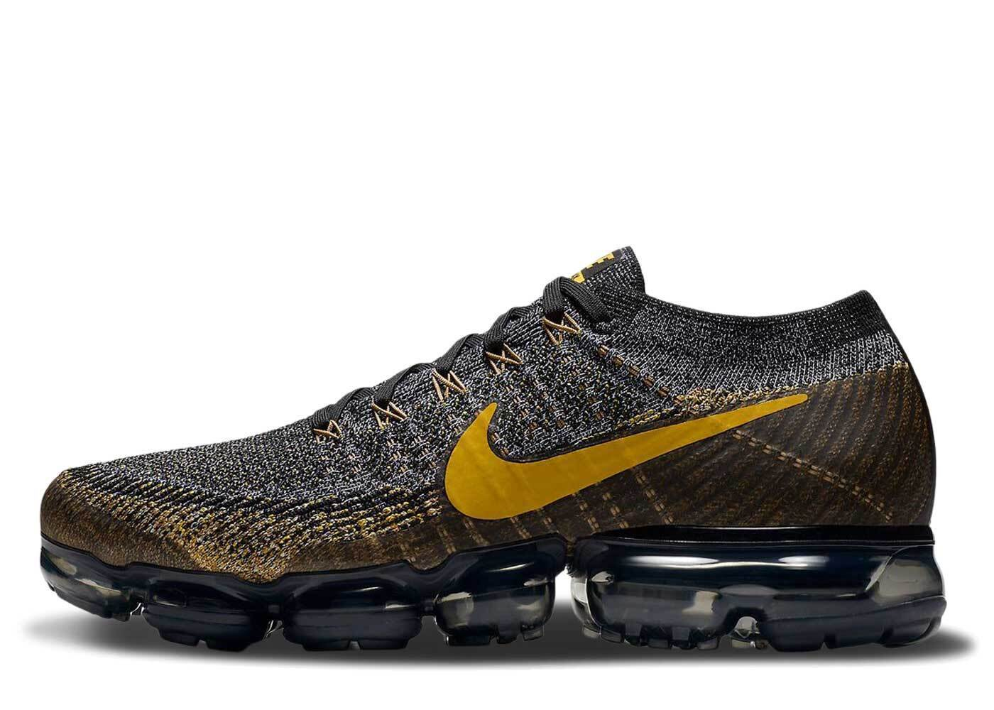 Nike Air VaporMax Black Mineral Goldの写真
