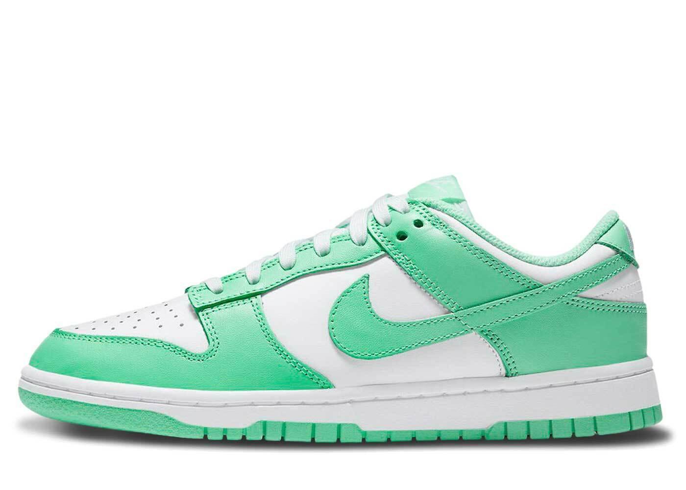 Nike Dunk Low Green Glow Womensの写真