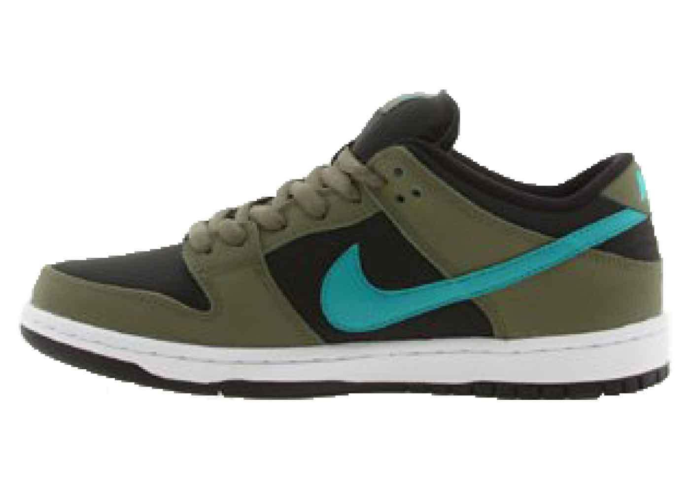 Nike SB Dunk Low Medium Olive Turbo Greenの写真