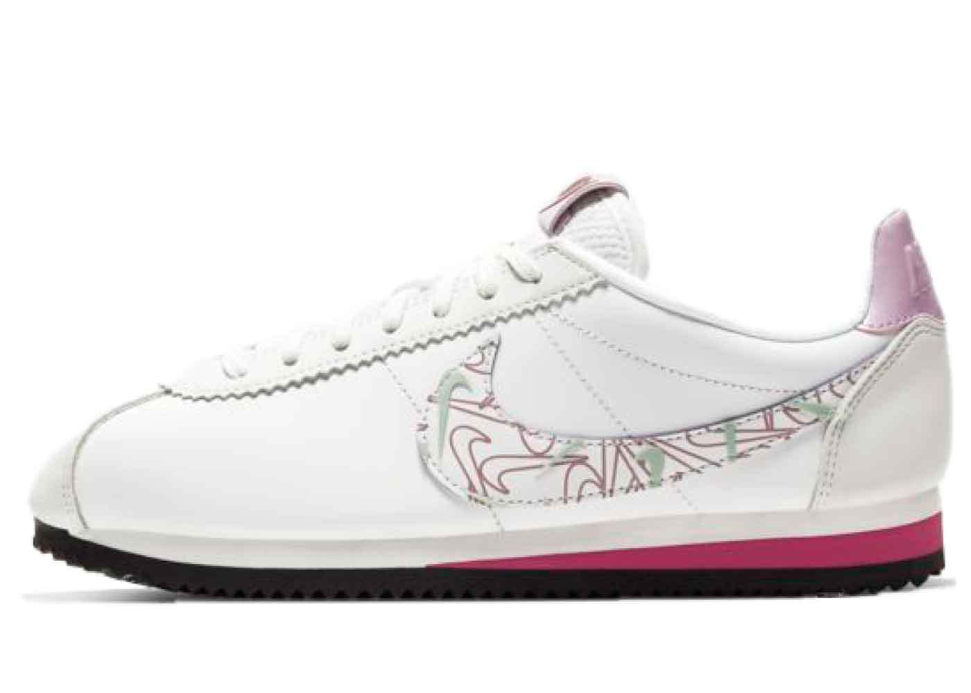 Nike Cortez Summit White/Noble Red Womensの写真