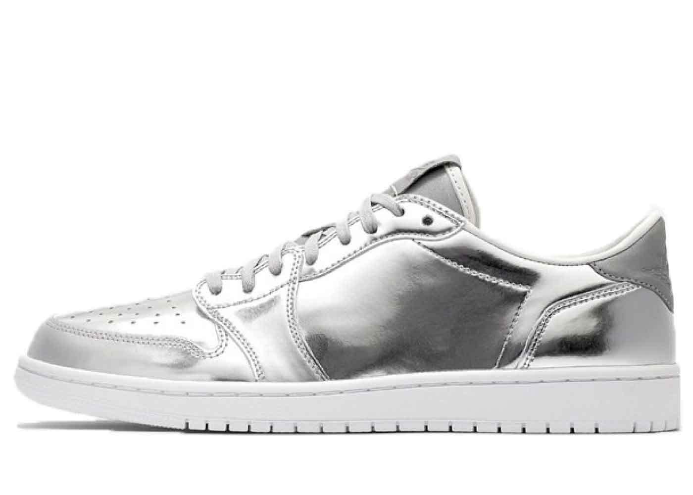 Nike Air Jordan 1 Retro Low Pinnacle Metallic Silverの写真