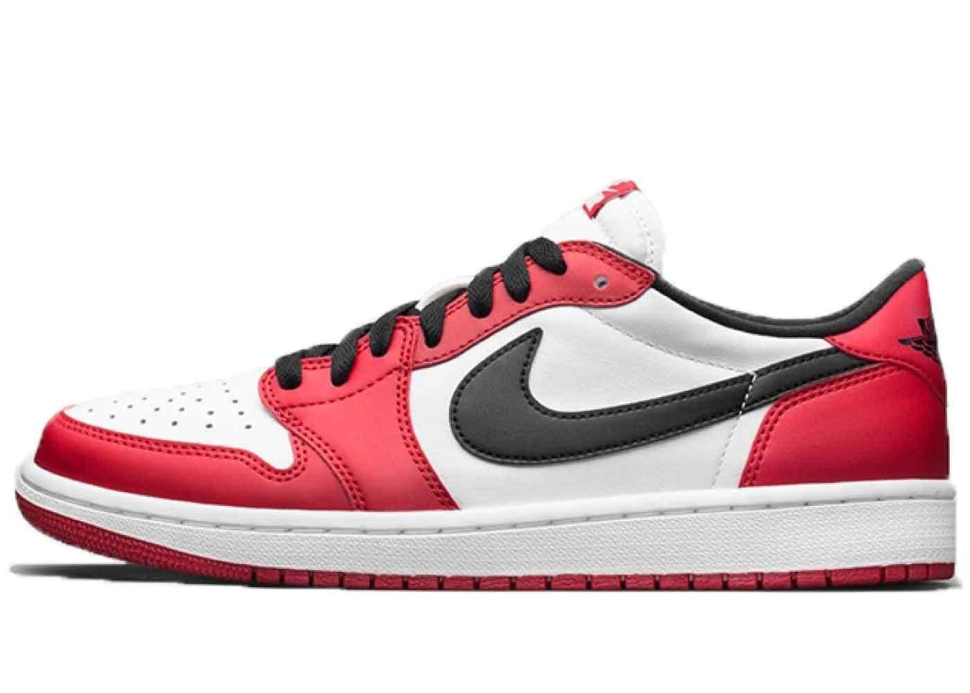 Nike Air Jordan 1 Retro Low Chicago (2016)の写真