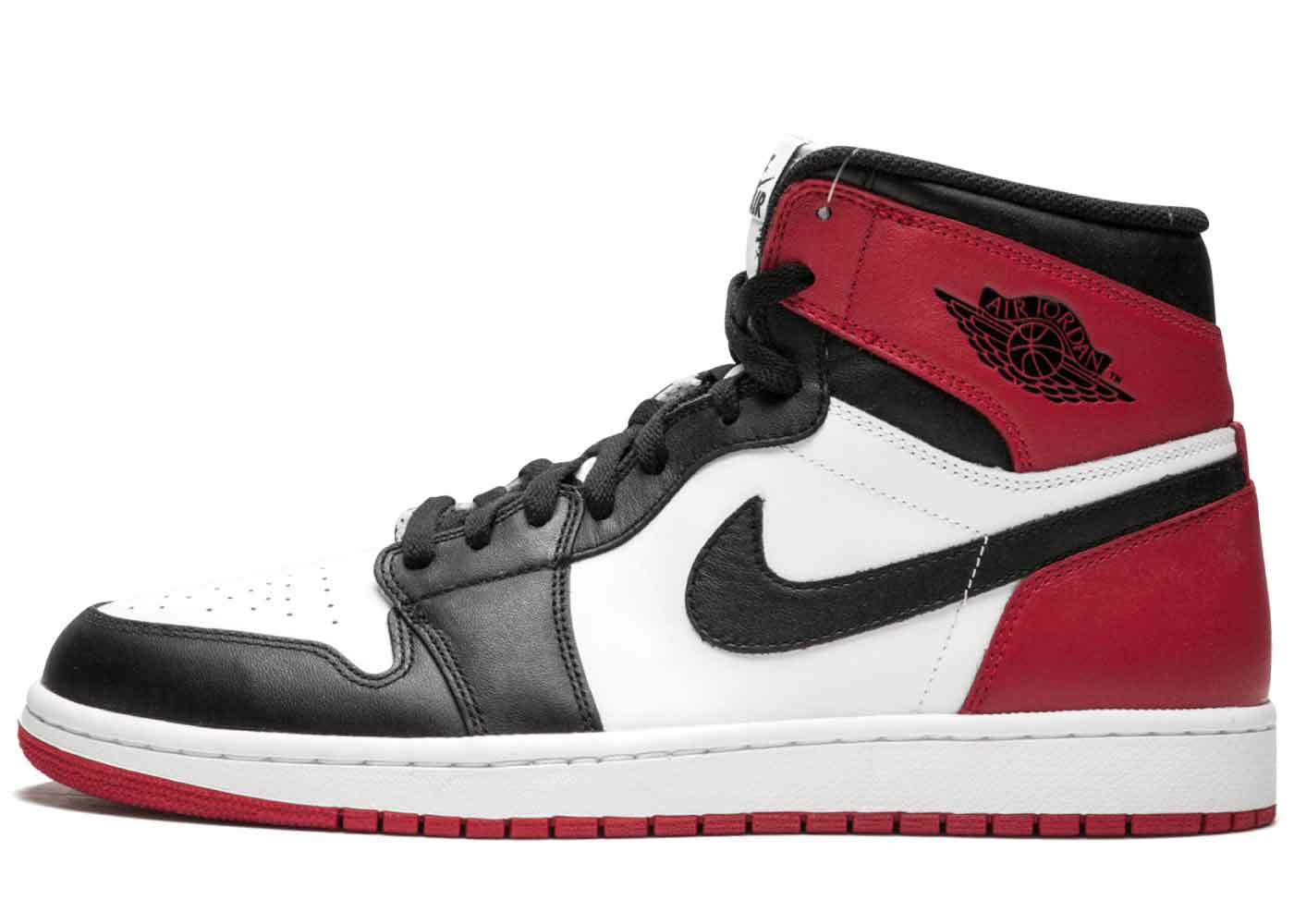 Nike Air Jordan 1 Retro Black Toe (2013)の写真