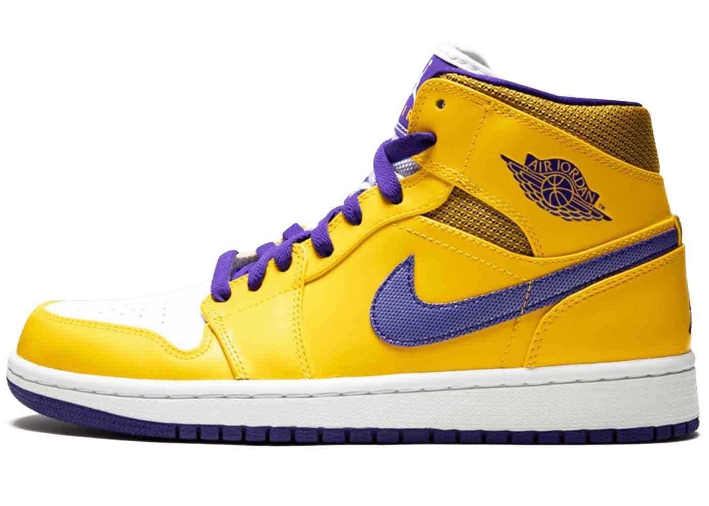 Nike Air Jordan 1 Mid Lakersの写真
