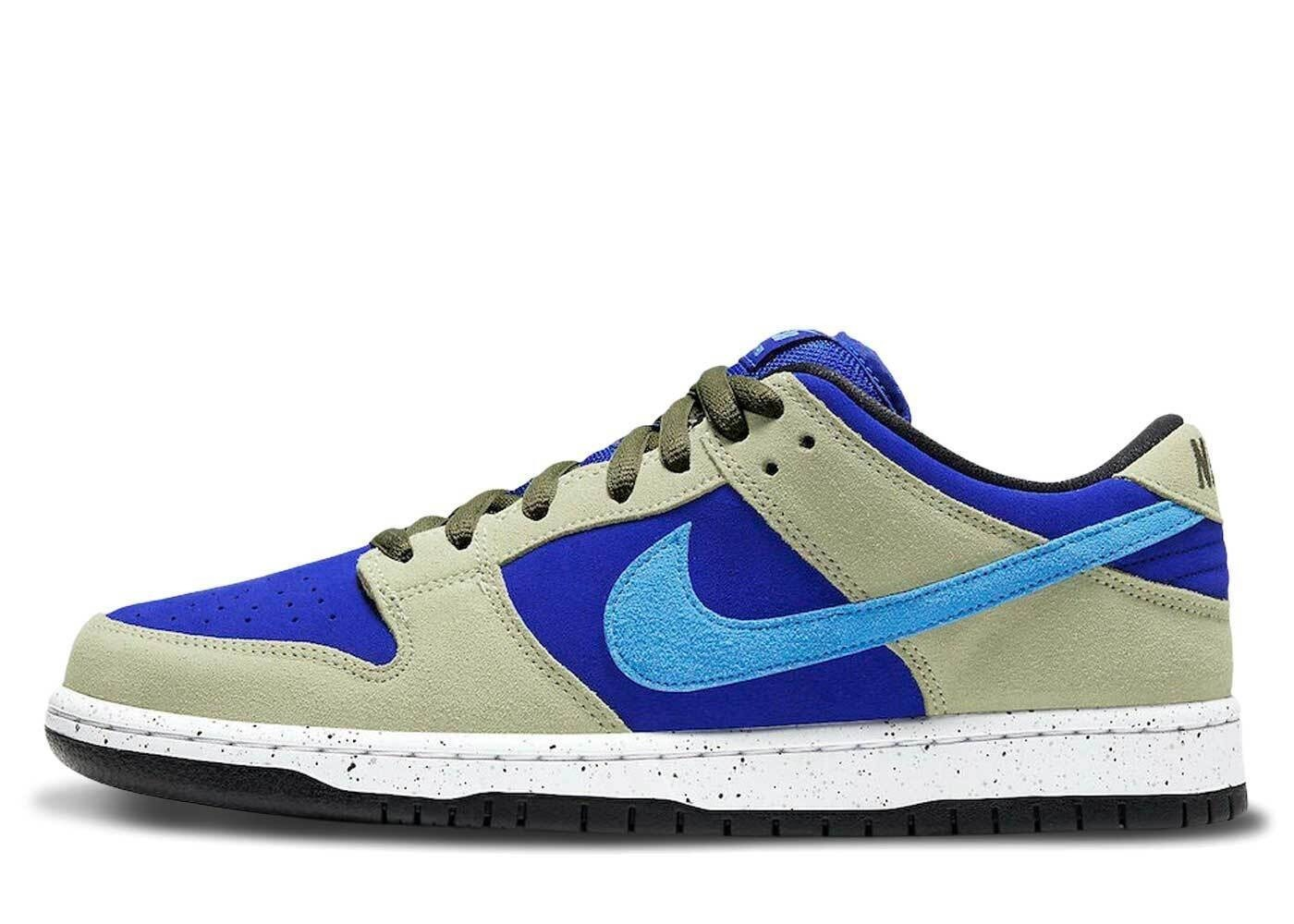 Nike SB Dunk Low Celadonの写真