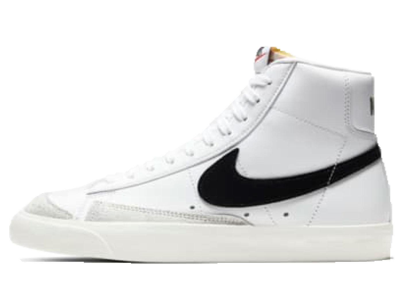 Nike Blazer Mid '77 White/Black Womensの写真