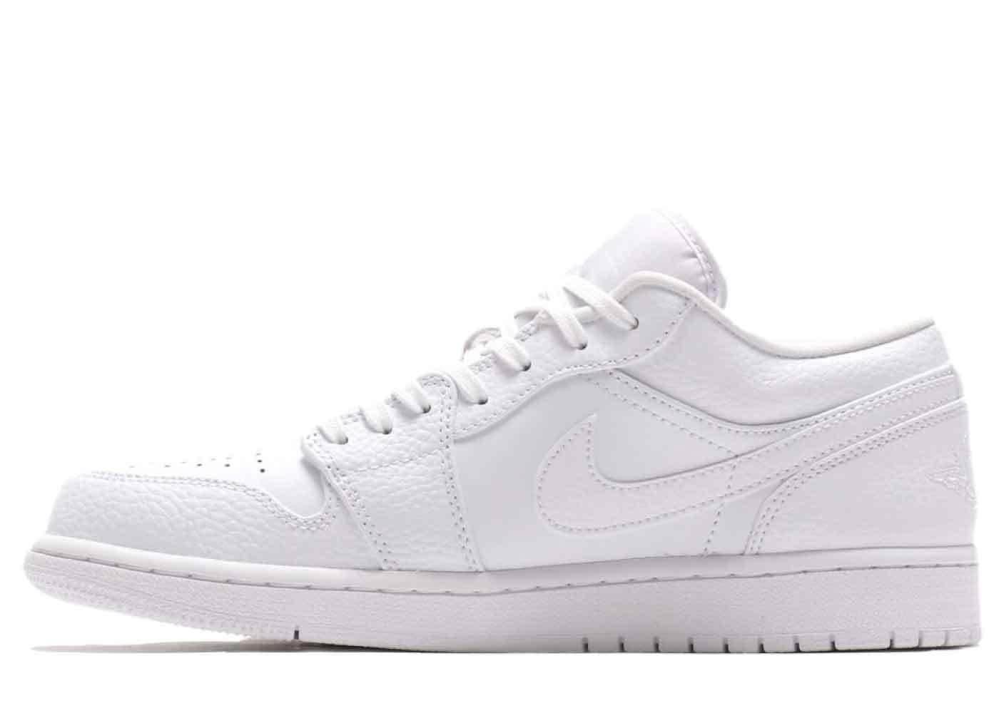 Nike Air Jordan 1 Low Triple Whiteの写真