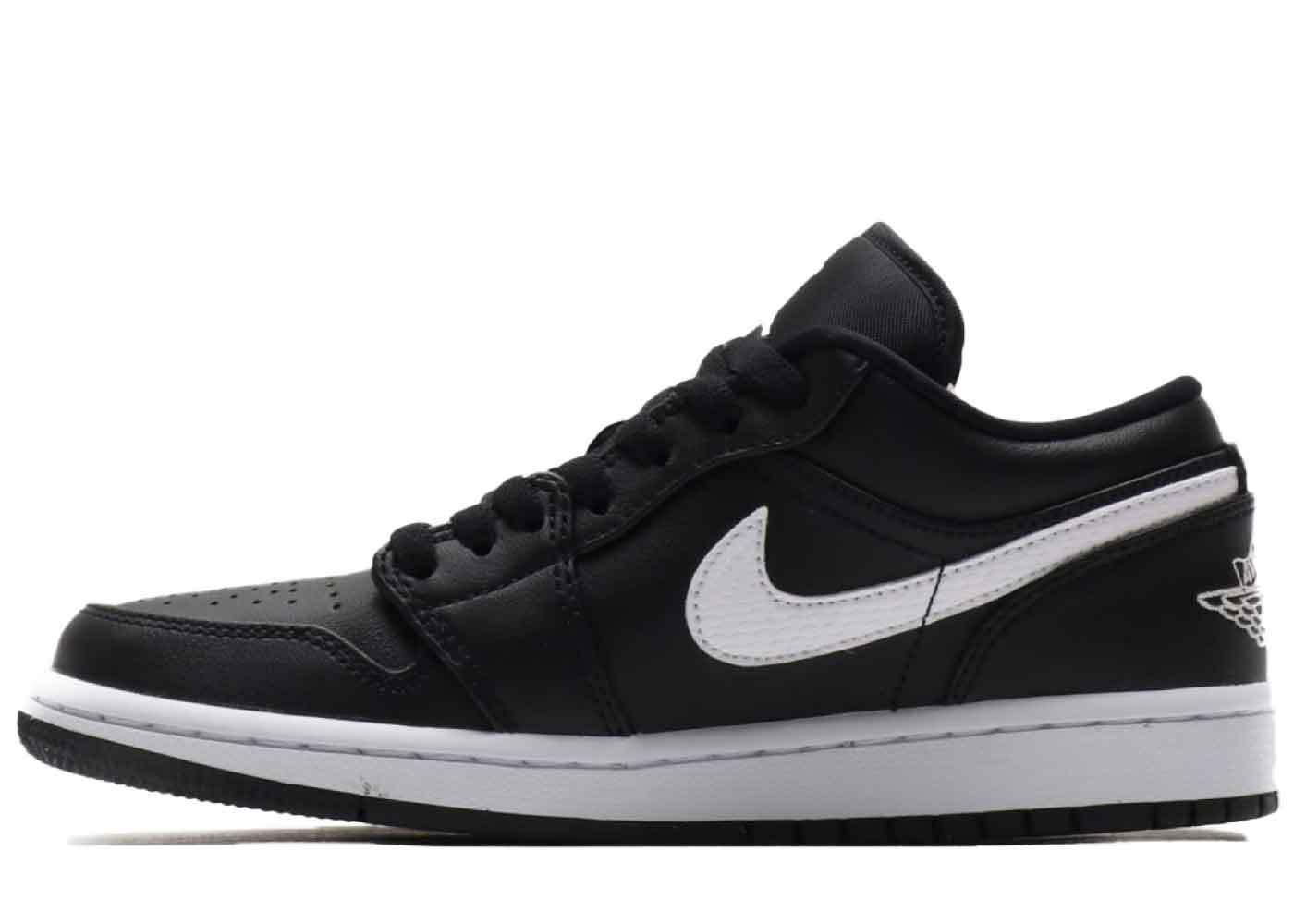 Nike Air Jordan 1 Low Black/White Womensの写真