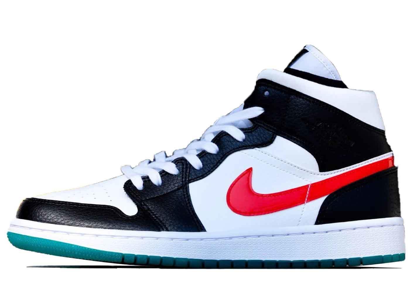 Nike Air Jordan 1 Mid Black/University Red/White/Lucid Green Womensの写真