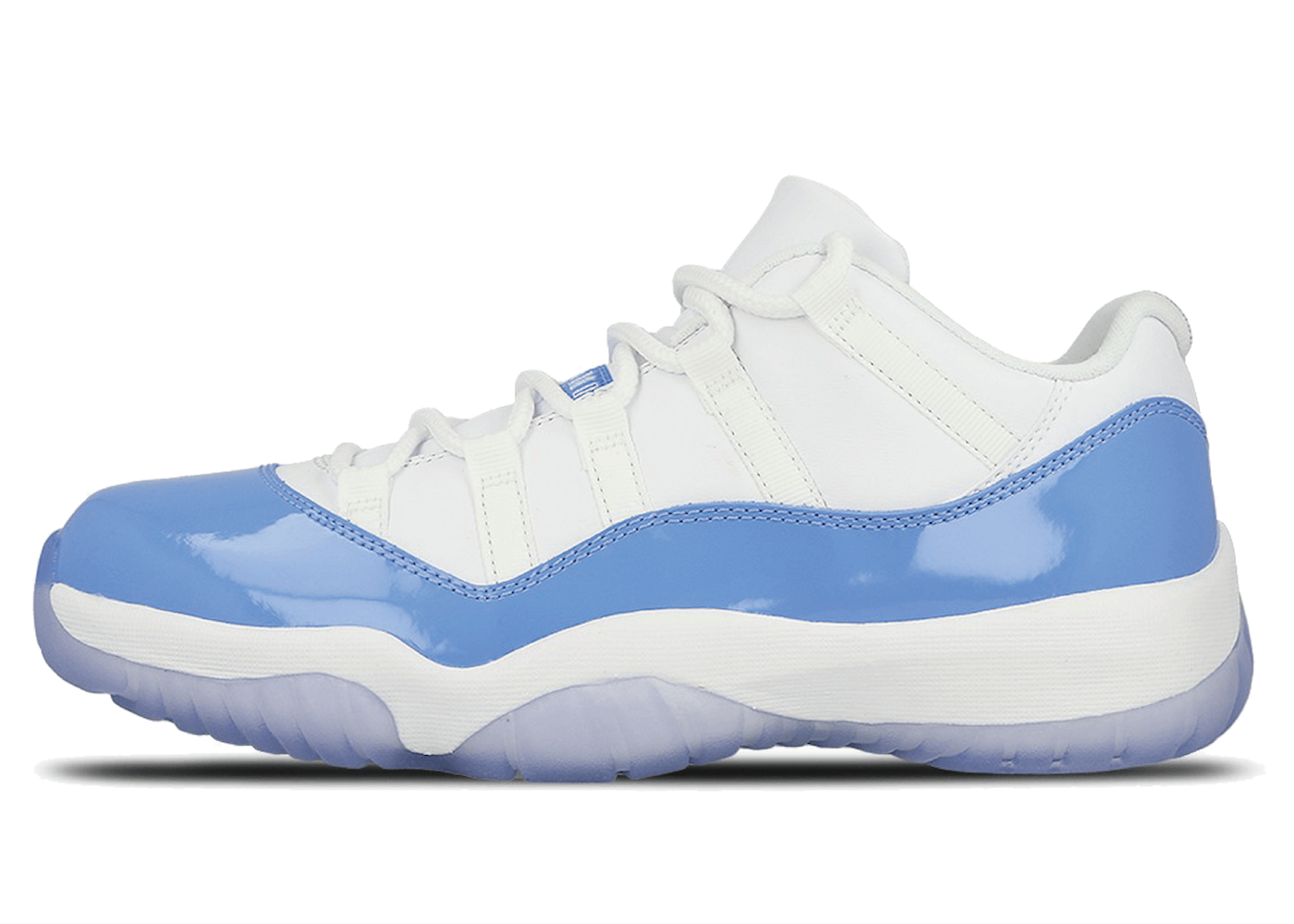 Jordan 11 Retro Low University Blue (2017)の写真