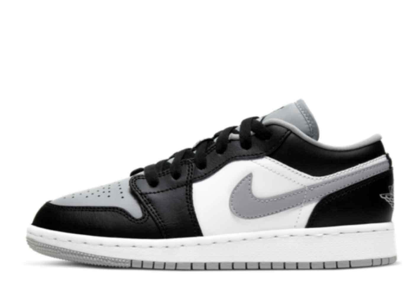 Nike Air Jordan 1 Low Black Smoke Grey (GS)の写真