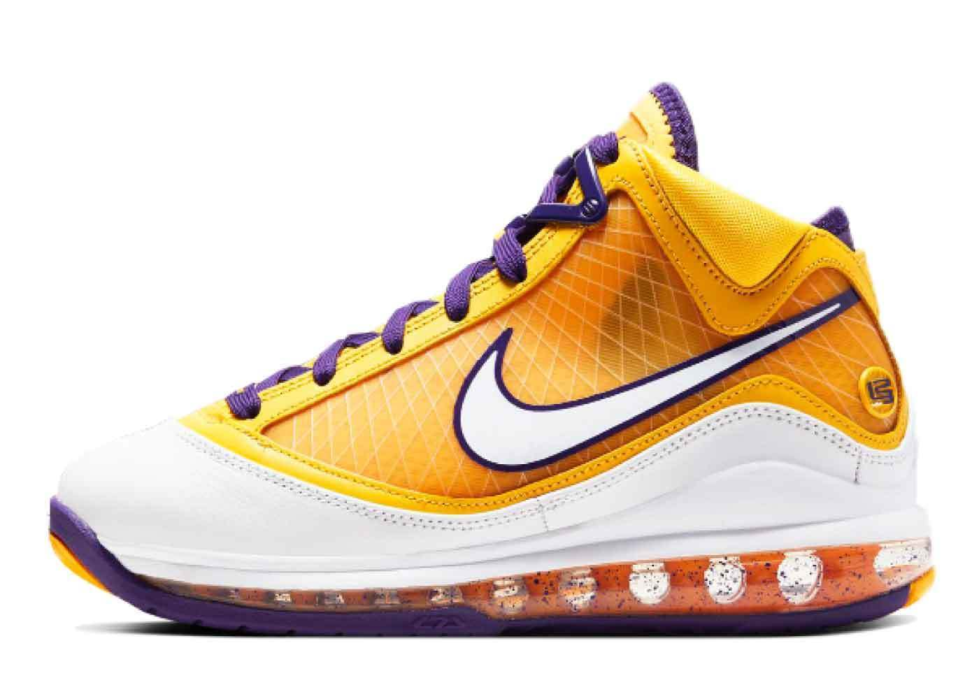 Nike LeBron 7 Lakers Media day(GS)の写真