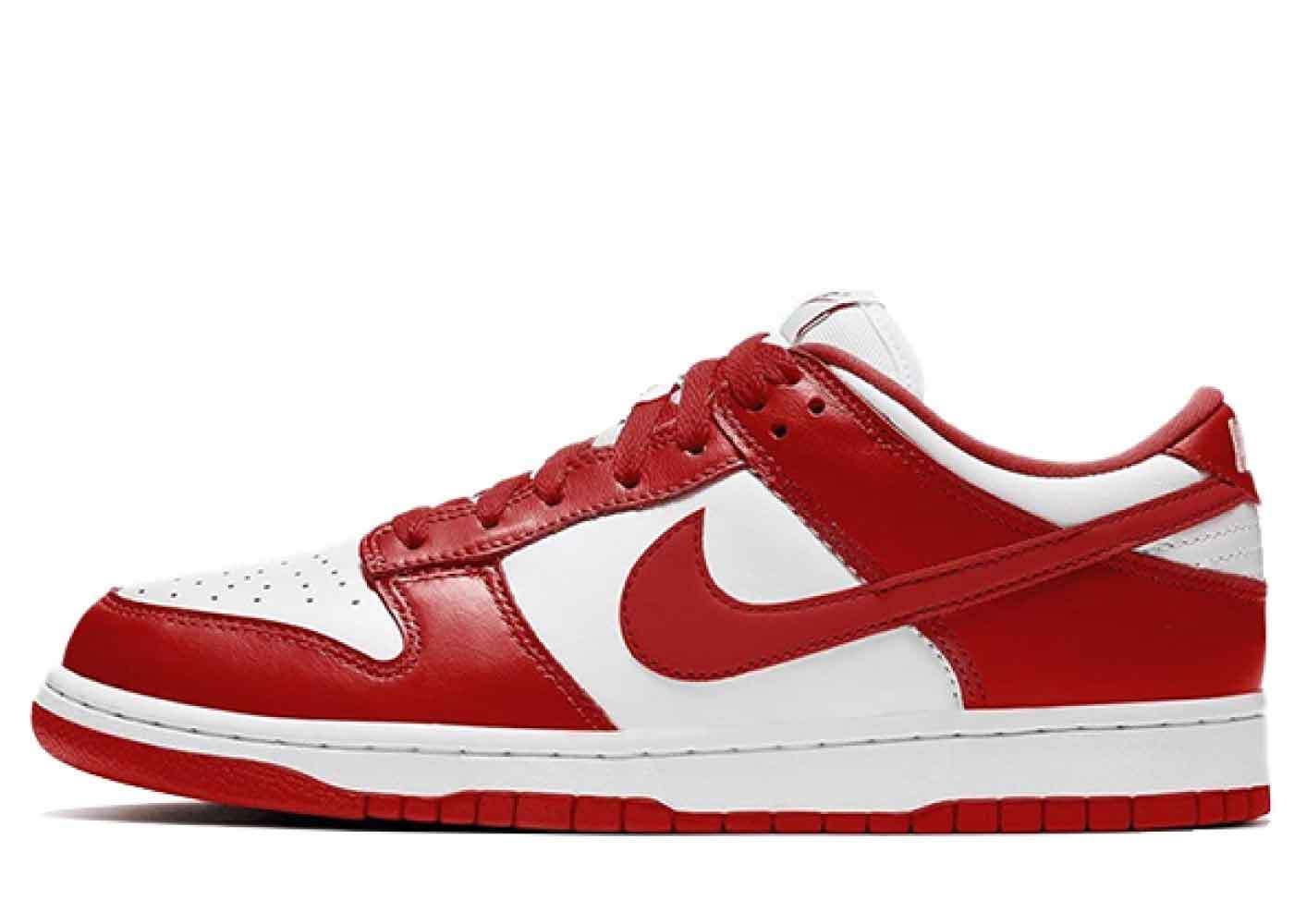 Nike Dunk Low University Redの写真