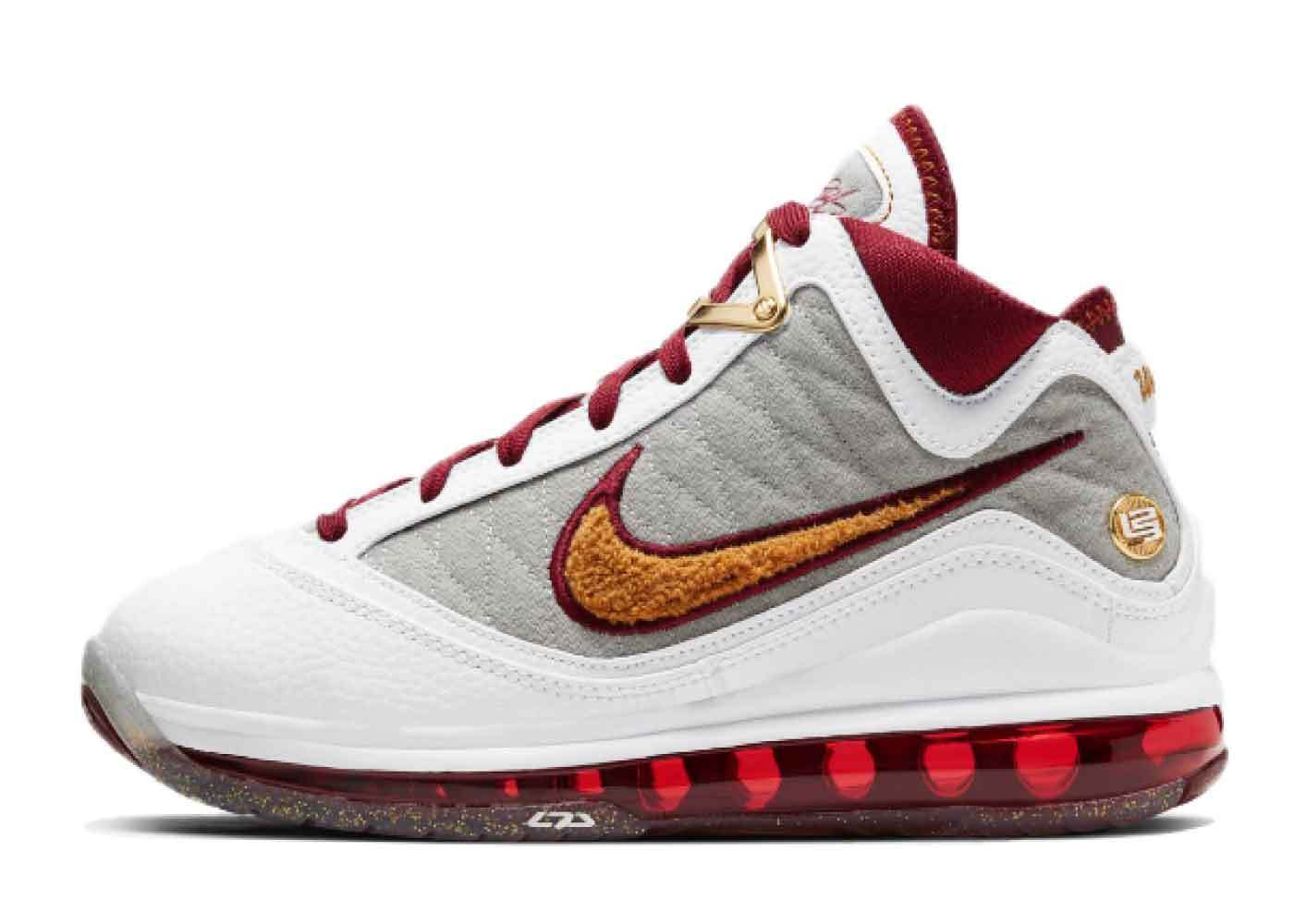 Nike LeBron 7 MVP GSの写真