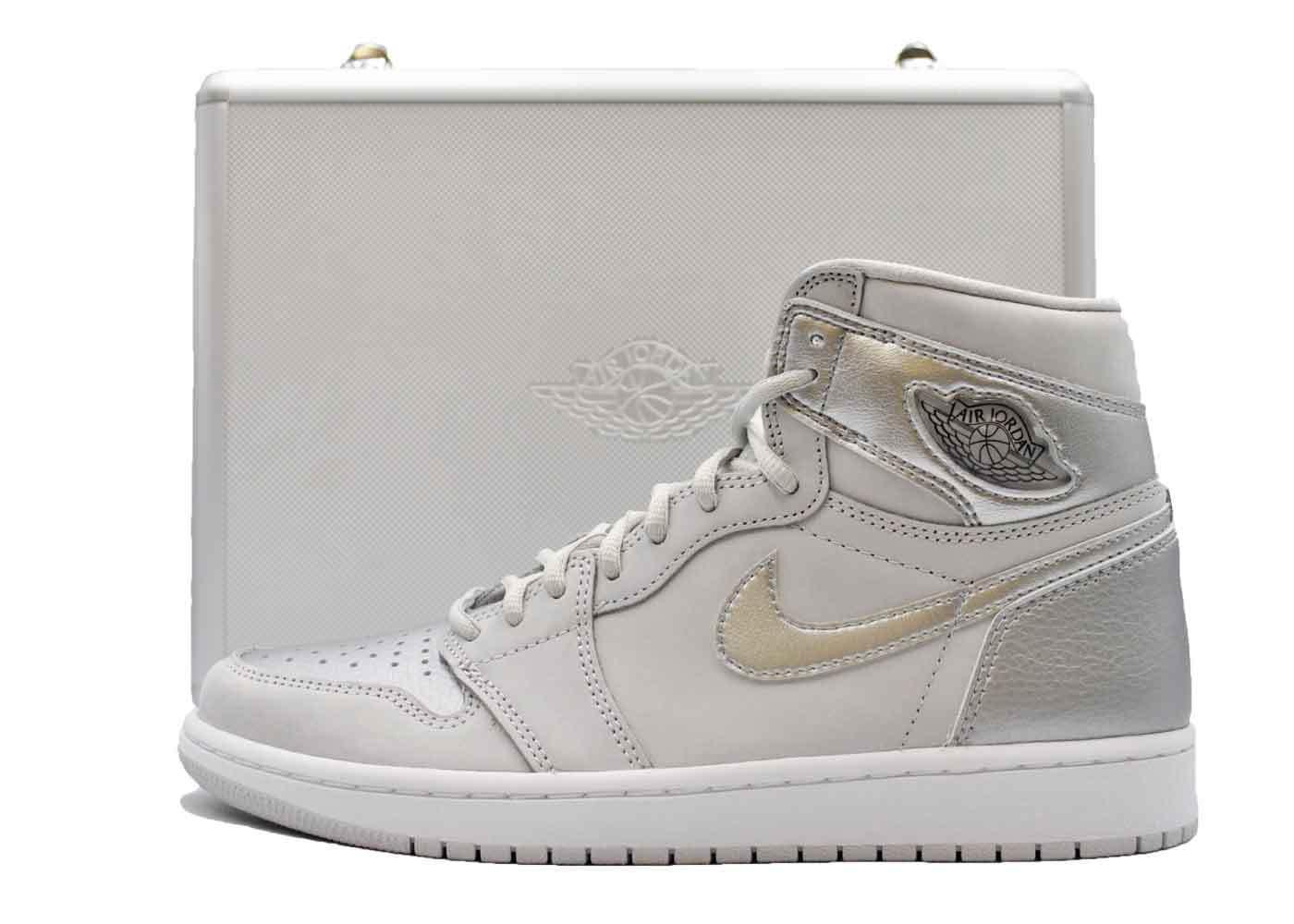 Nike Air Jordan 1 High OG CO.JP Japan Grey With Duralumin Caseの写真