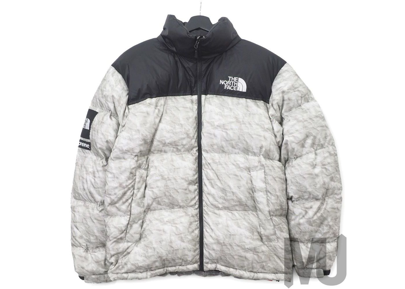 Supreme × The North Face Paper Print Nuptse Jacket Paper Printの写真