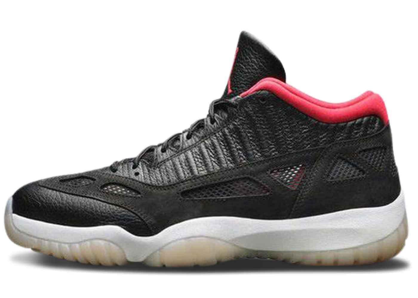 Nike Air Jordan 11 Low IE Bredの写真