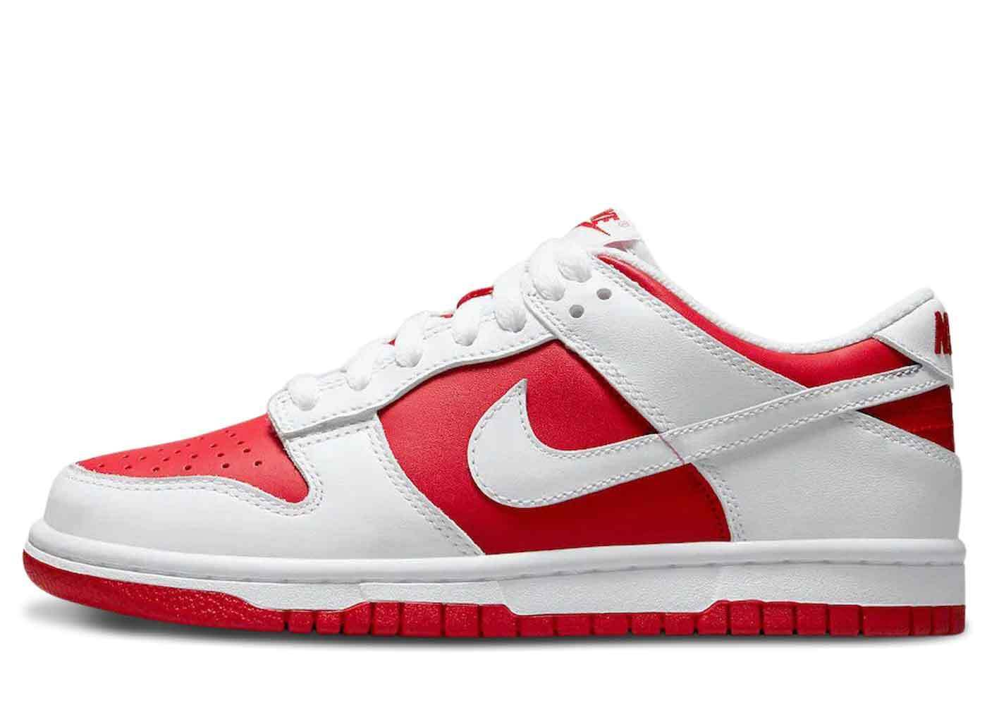 Nike Dunk Low Championship Redの写真