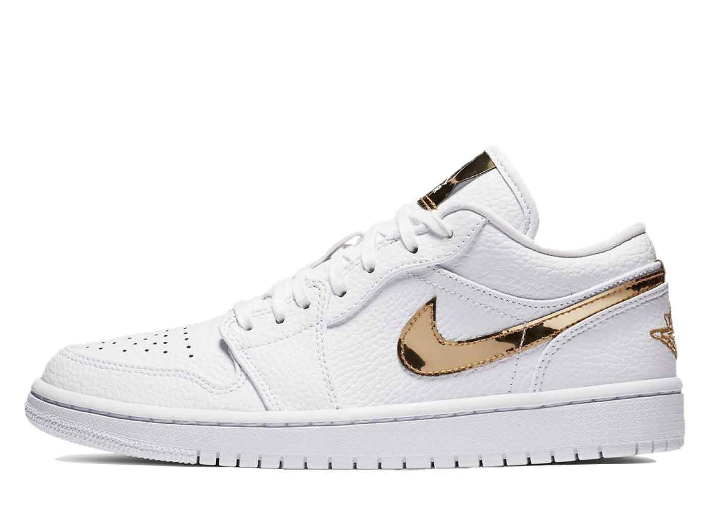 Nike Air Jordan 1 Low SE White Metallic Gold Womensの写真