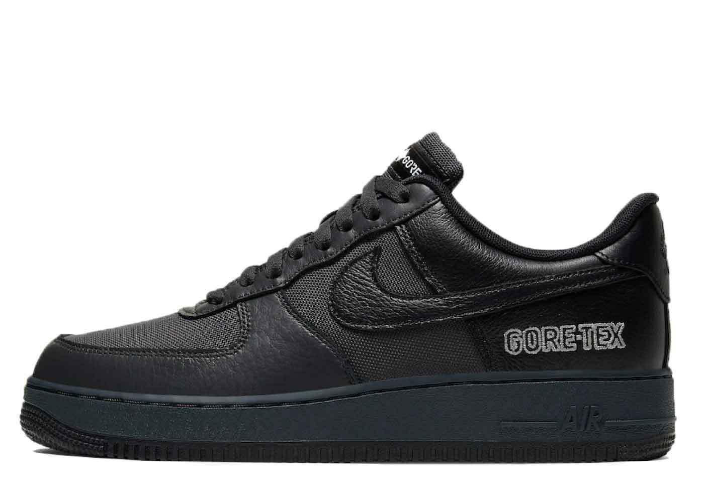 Nike Air Force 1 Gore-Tex Blackの写真