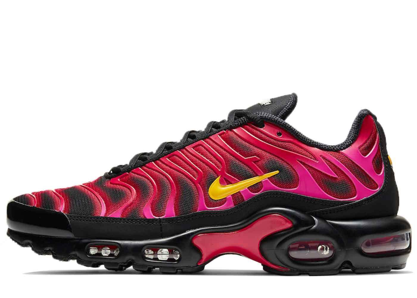 Supreme × Nike Air Max Plus TN Fire Pinkの写真