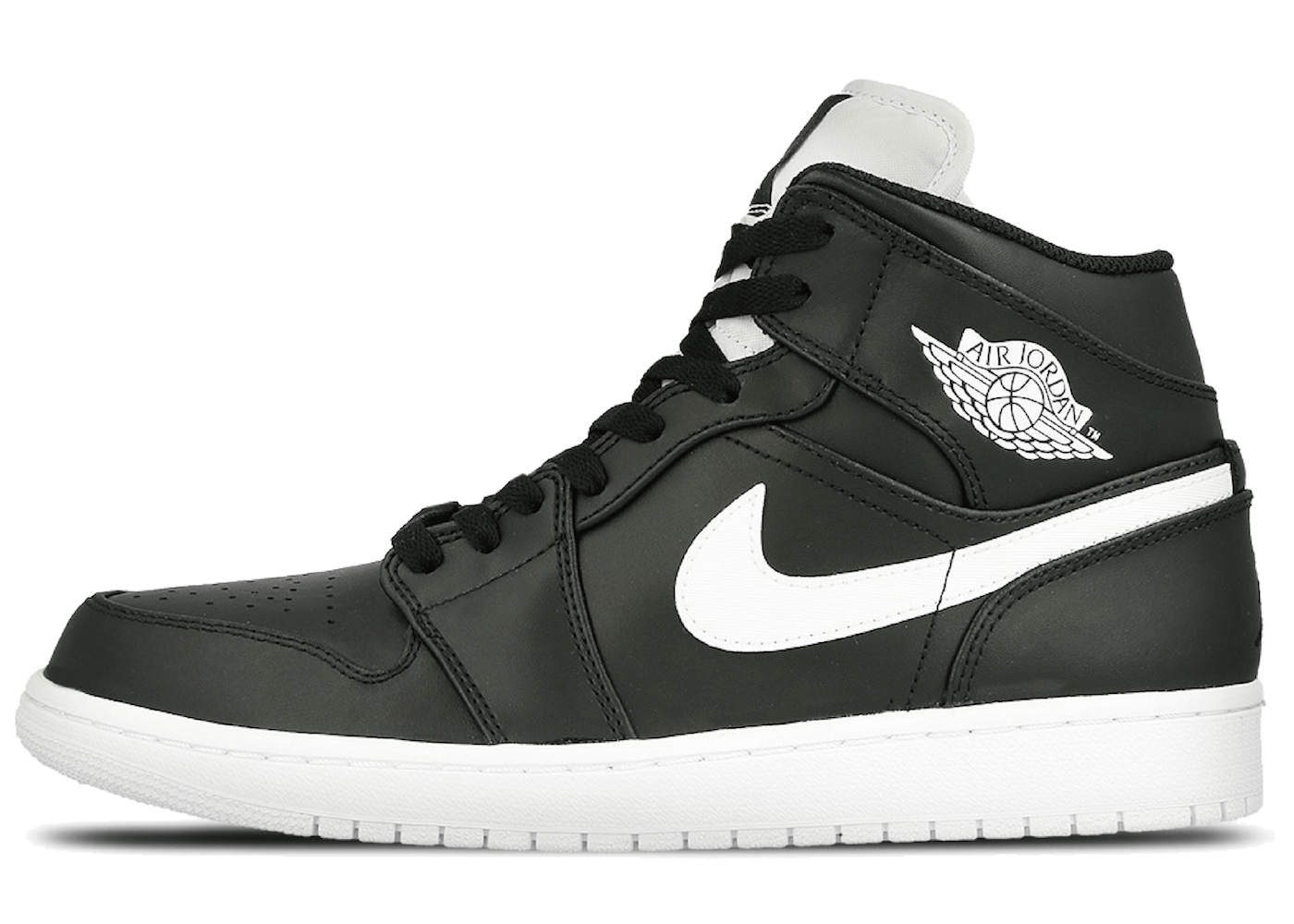 Jordan 1 Retro Mid Black Whiteの写真