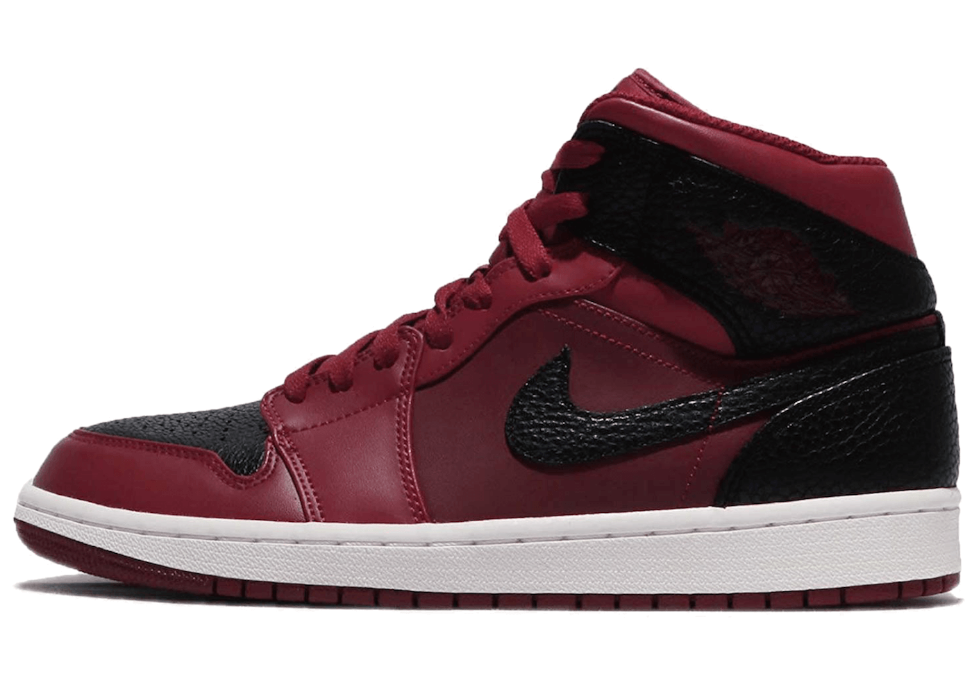 Jordan 1 Retro Mid Team Red Blackの写真