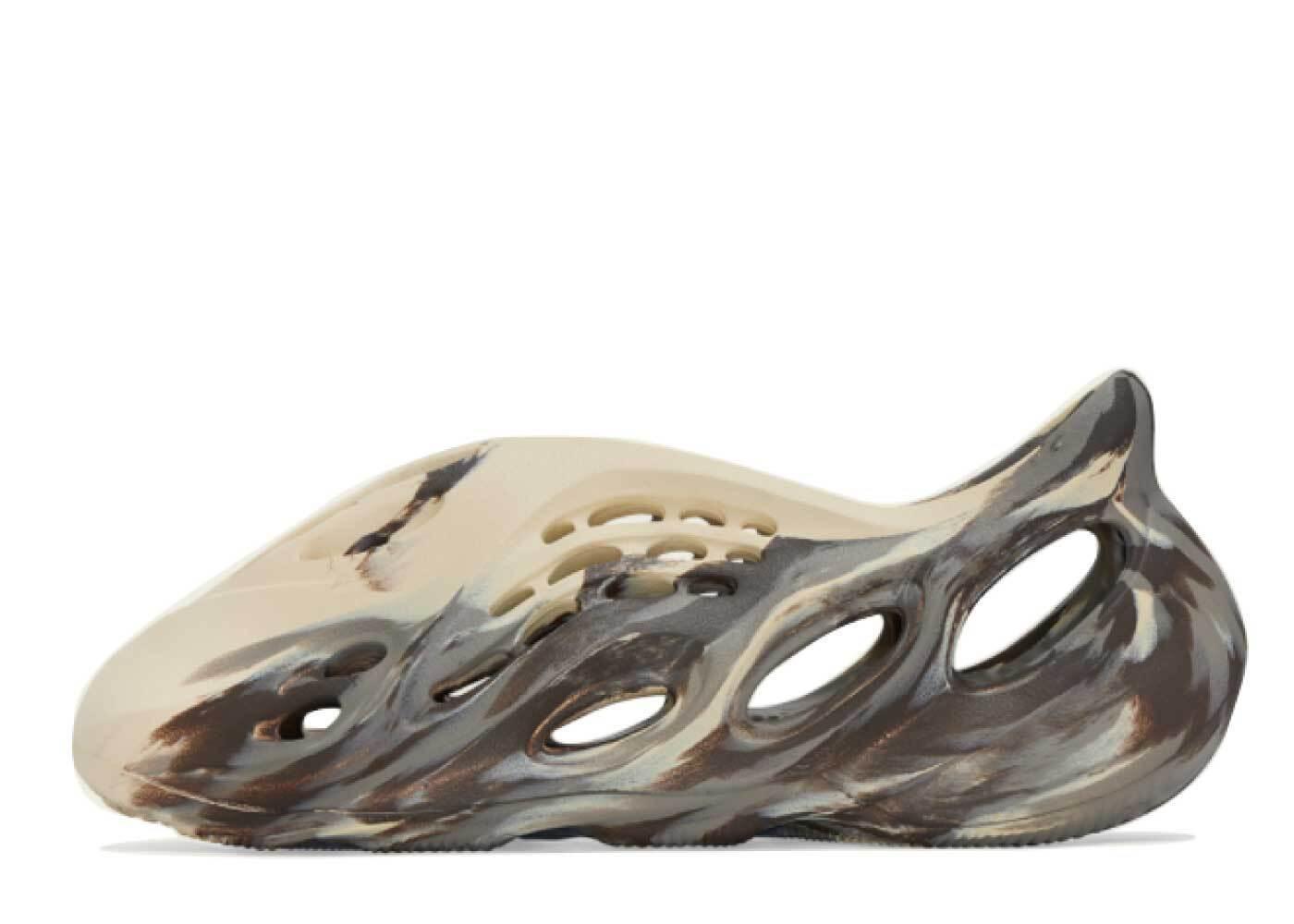 adidas Yeezy Foam Runner MX Cream Clayの写真